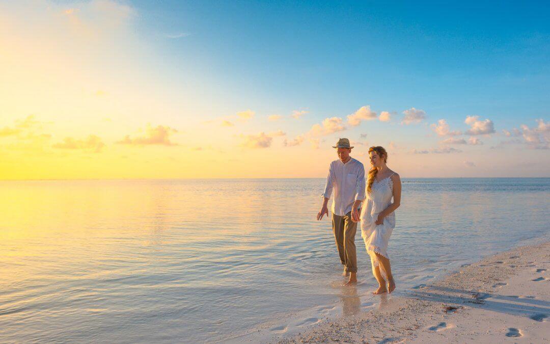 Tropical wedding packages: Seychelles Vs Malta